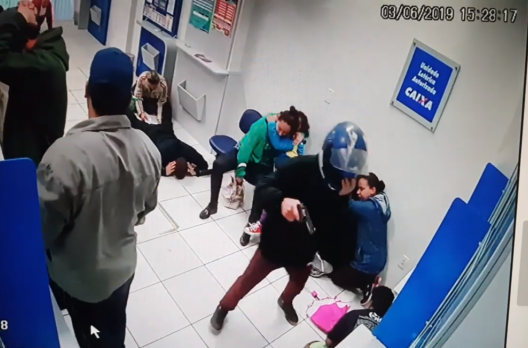 Vídeo: tentativa de assalto a lotérica no Arroio do Silva