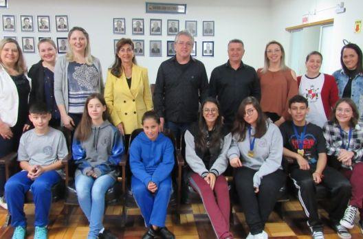 Alunos premiados nas Olimpíadas de Língua Portuguesa