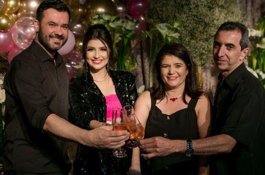 Blogueira celebra 10 Anos do Blog Beleza em Foco