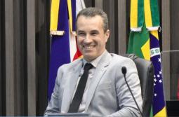 Presidente do IMAS é homenageado no legislativo araranguaense