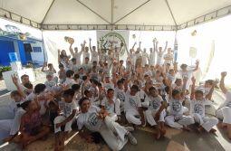 15º Batizado de capoeira forma mais de cem