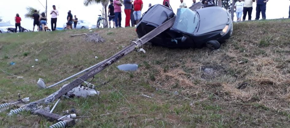 Sexta-feira (13) é marcada por acidente e afogamento em Ar...