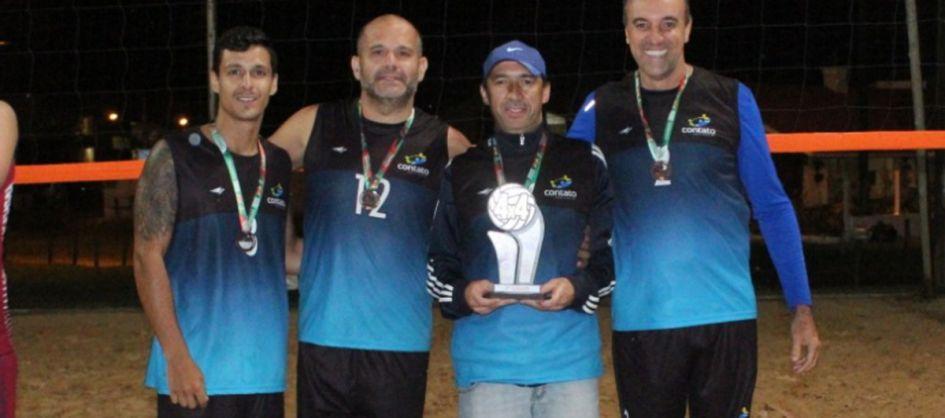 Final do Campeonato de Vôlei de Praia 4 x 4 agitou o Morro...