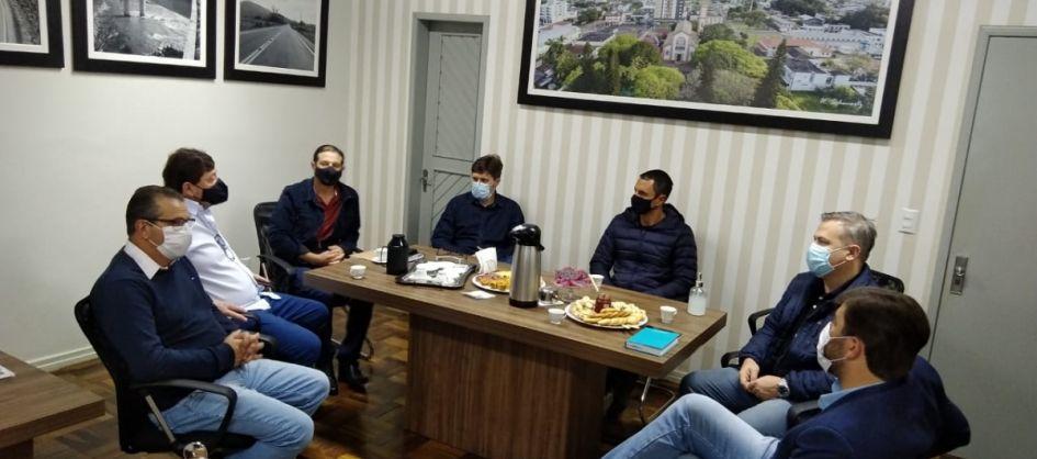 Deputado estadual João Amin visita Turvo