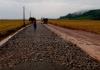 Condições do tempo não atrapalham obra de pavimentação em Meleiro