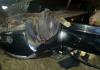 Homem fica ferido ao colidir carro em poste de energia