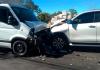 Colisão frontal deixa três pessoas feridas na rodovia Luiz Rosso