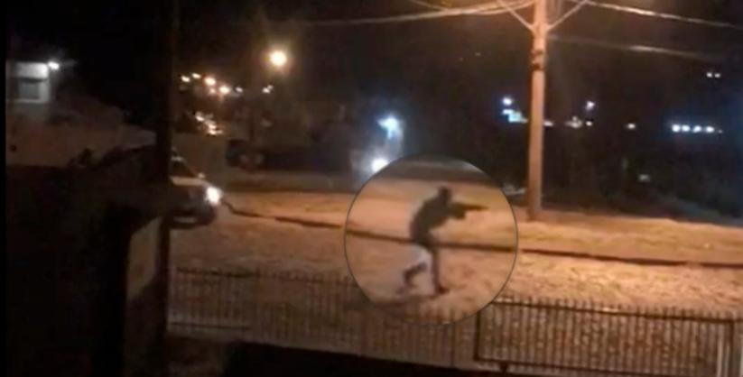 Homem atira 17 vezes e é morto por policiais em SC