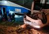 Dois acidentes seguidos em SC deixam mulher ferida após ser arremessada