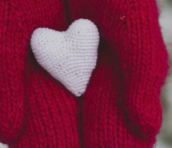 Associação Amor e Graça lança campanha de coleta de cobertas para aquecer o próximo