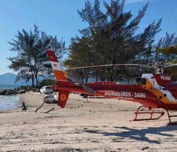 Adolescente cai em costão de praia durante trilha em SC e precisa ser resgatado de helicóptero