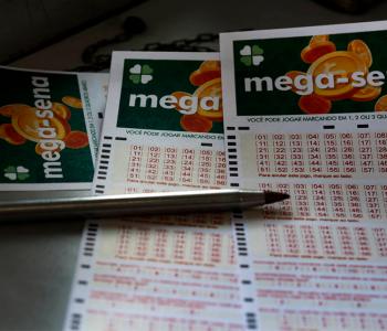 Dois apostadores dividem prêmio da Mega-Sena