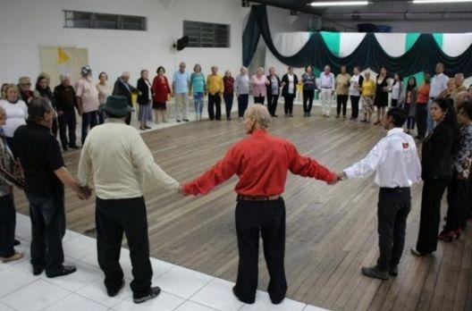 Sombrio promove campanha para orientação sobre o envelhecimento ativo e saudável de ido...
