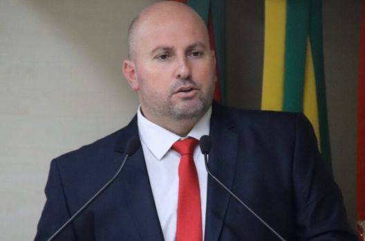 A eleição do Tita e o recado ao vice-prefeito