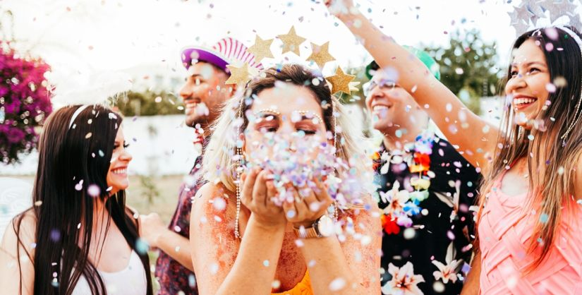 Tchau, sereia e unicórnio: Quais são as novas tendências de fantasia para o Carnaval 2020?