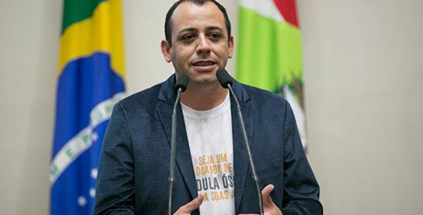 Artigo de um jornalista de Araranguá é publicado no jornal Brazilian Times Newspaper