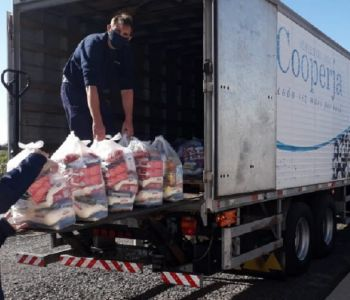 Cooperja e Ihara doam cestas básicas e beneficiam 700 famílias
