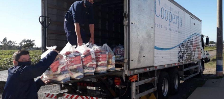 Cooperja e Ihara doam cestas básicas e beneficiam 700 fam�...