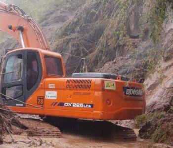 Queda de barreiras interdita tráfego na Serra da Rocinha