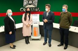 Deputada Geovania entrega 10 respiradores para Criciúma