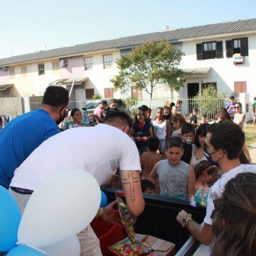 Autoprosul realiza entregas de brinquedos da campanha ''Doe Sorrisos''