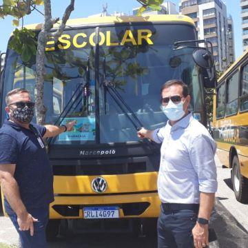 Maracajá recebe ônibus escolar do Governo do Estado