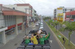 Ricardo e Claudete fazem carreata histórica em Araranguá