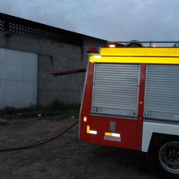 Incêndio em Turvo nessa madrugada (19)