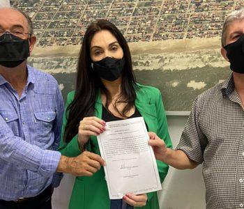Geovania assina ordem de serviço para pavimentação do Acesso Sul