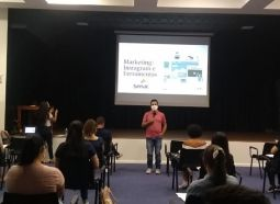 Colaboradores do Center Shopping participam de curso sobre Instagram