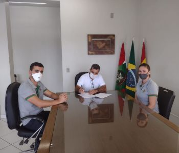 Santa Rosa do Sul: Prefeito Almides assina contrato com Epagri